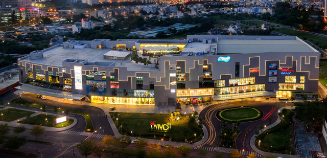 trung tâm thương mại cạnh nine south nam sai gon